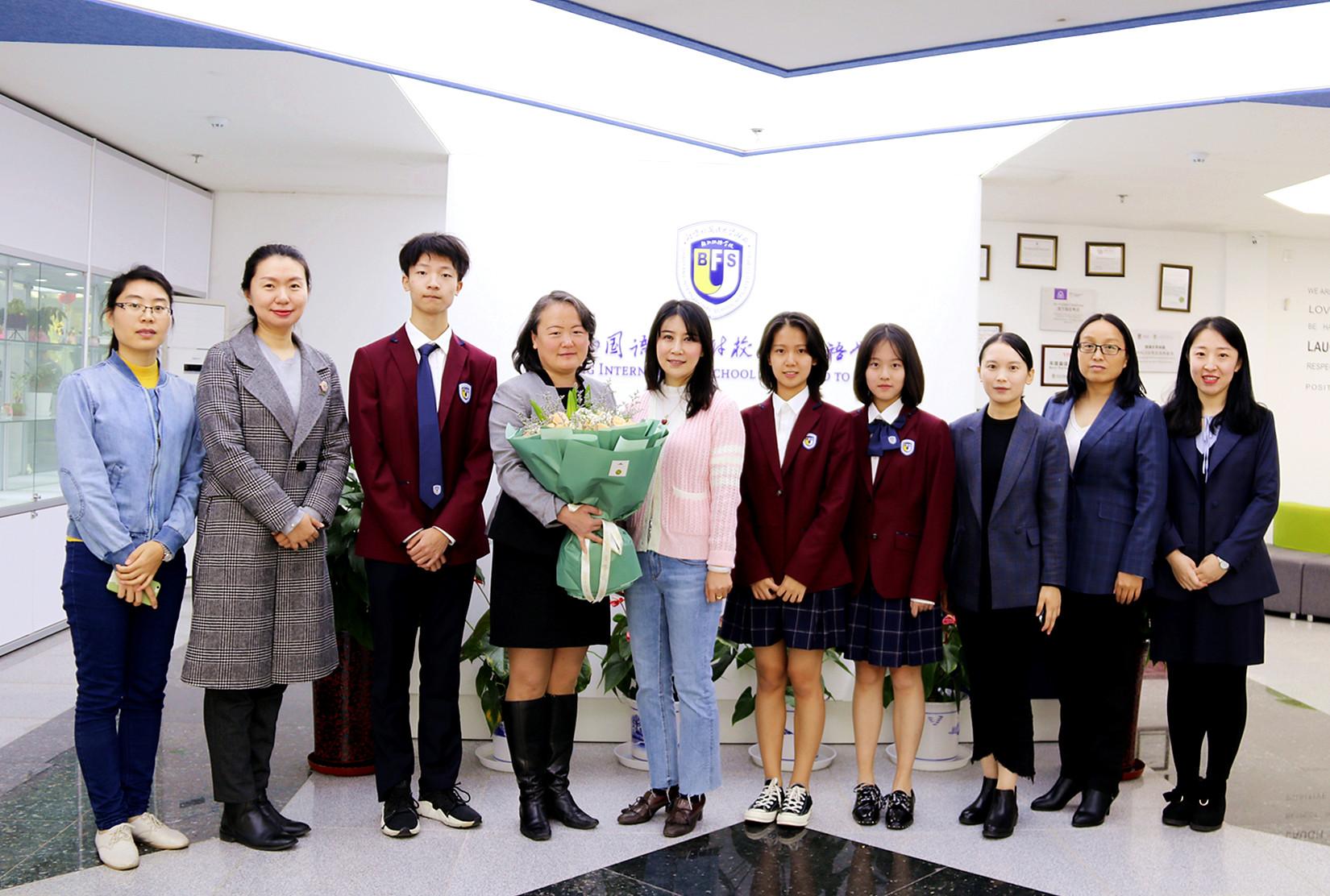 国际合作∣,加拿大维多利亚教育局国际处官员到访我校,为学生带来精彩的升学讲座