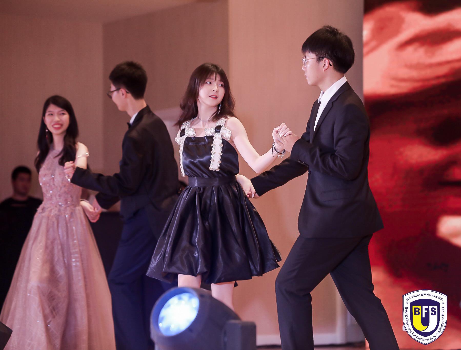 向未来再出发 | 用一场盛大的毕业舞会纪念青春,毕业快乐!